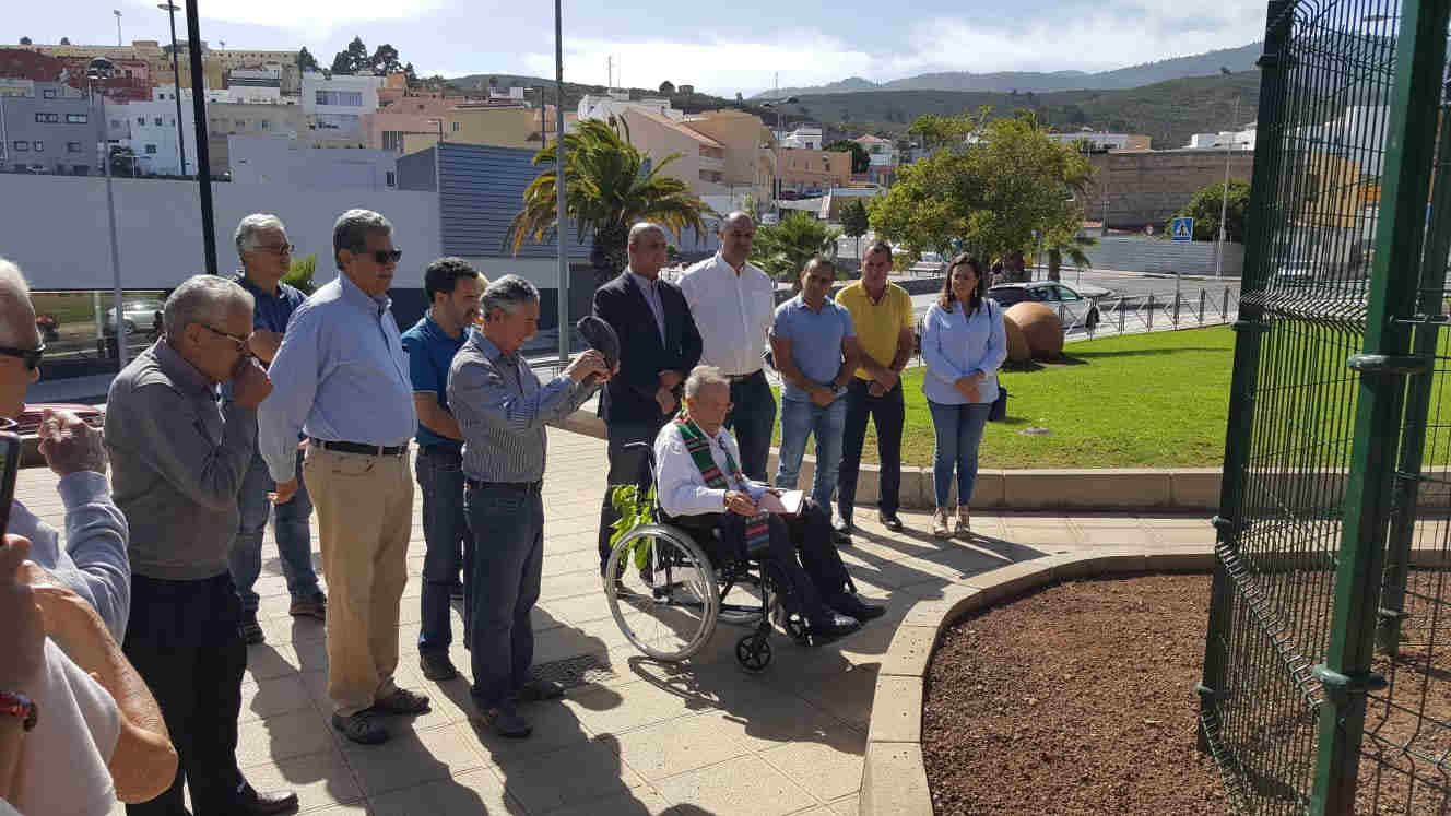 Plantación del esquisúchil en Granadilla. / CARLOS VELÁZQUEZ GARCÍA